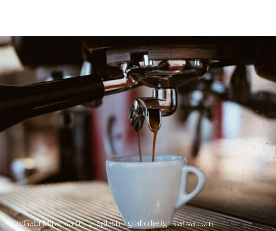 """Zu täglichen Genussmomenten gehören immer auch """" rituelle"""" Handlungen. Die tägliche Tasse Kaffee, mit Liebe zubereitet, ist ein typisches Beispiel dafür. Mehr Antworten auf die Frage, was der perfekte Genussmoment braucht, erfährst du hier."""
