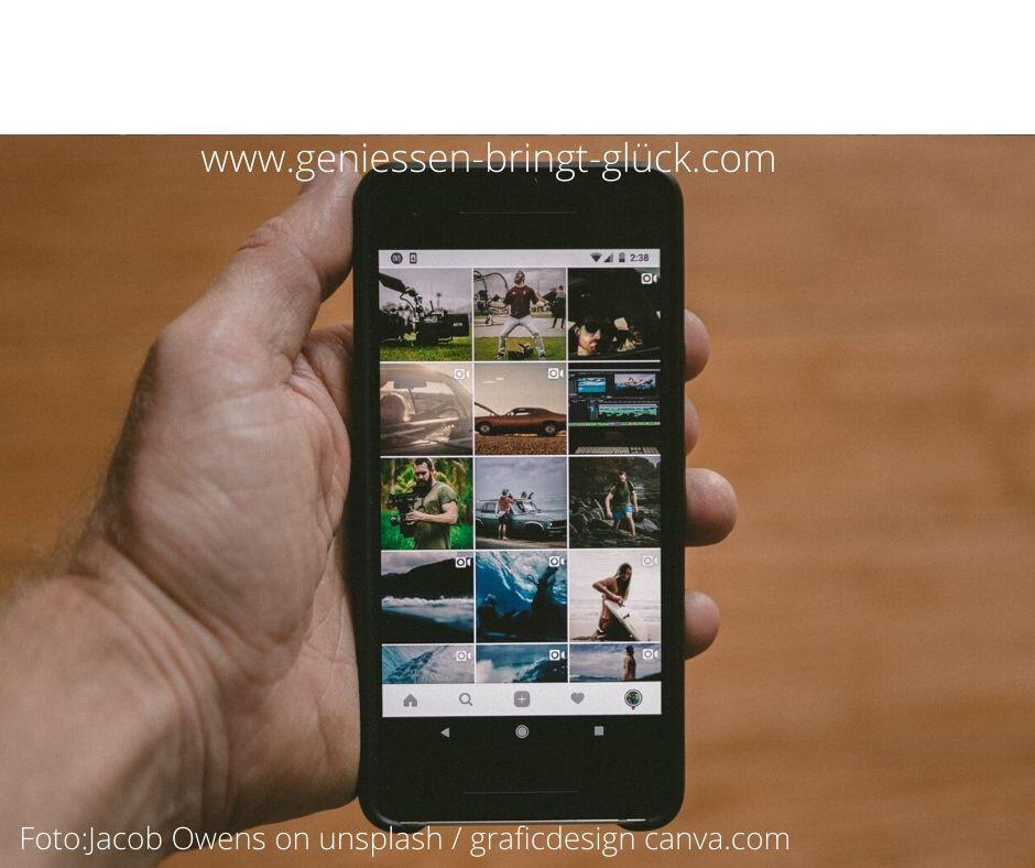 Du möchtest dir klarer darüber werden, welche optischen Eindrücke dich besonders berühren und daher für Genussmomente bestens geeignet sind? Such dir aus den Bildergalerien deines Smartphones die schönsten 30 Bilder heraus und du wirst am Ende wissen, wo deine Vorlieben liegen. Mehr zum Thema Hinsehen und genießen findest du hier.
