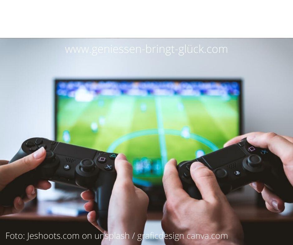 Wenn es dem gemeinsamen Genießen dient, ist auch die Spielkonsole eine Option. Warum nicht ? Ein Fußballfan wird bestimmt viel Spaß erleben, wenn er es mit den meisterhaften Simulationen der realen Welt versucht. In der Playstation-Welt gibt es auch viele andere Spiele, wo man von seinen Jüngsten noch was lernen kann. Was sonst noch die Freude am Spielen fördert und erhält, darum geht es in diesem Beitrag.