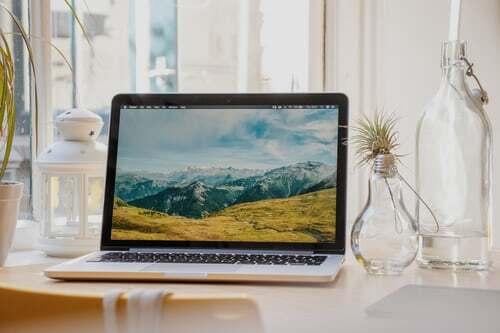 Installiere deine Lieblingsbilder als Hintergrund-Diashow auf dem Sperrbildschirm von Smartphone, Laptop oder PC. Genussvolle Überraschungsmomente das ganze Jahr über garantiert! Was du sonst noch tun kannst, um dir optische Genussmomente zu gönnen, erfährst du hier.