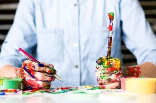Ich denke, dass wohl jeder Mensch ein Talent hat, das sich innerhalb einer kreativen Freizeit-Beschäftigung ausleben lässt. Die Geduld, ein Hobby zu finden, das dies ermöglicht, wird garantiert durch viele Genussmomente belohnt. Finde hier darüber hinaus verschiedene Anregungen, die ebenfalls deinem Geist und deiner Seele gut tun können.