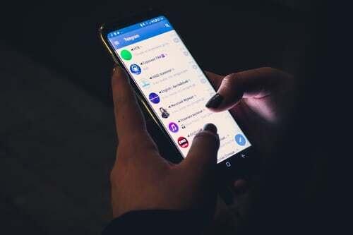 Egal ob whatsapp, facebook oder andere Plattformen, der chat mit dem richtigen Partner, der richtigen Partnerin ist immer genussversprechend. Noch mehr Tipps zu genussvollem Miteinander findest du hier.